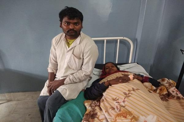 woman  road child birth punjab news