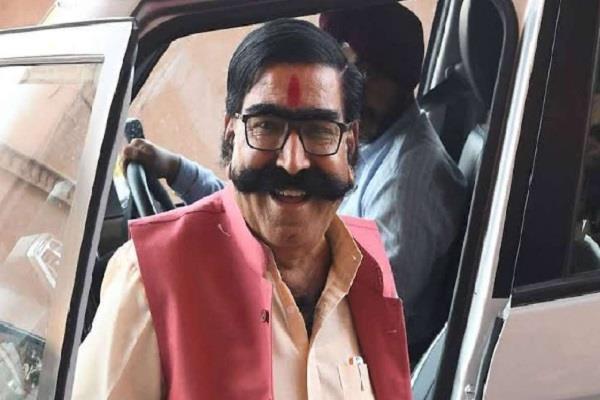 राजस्थान: फिर विवादों में ज्ञानदेव आहूजा, रैली में नोट बांटने के आरोप में FIR दर्ज