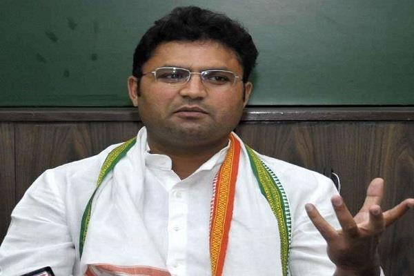 kejriwal flies into corruption in haryana