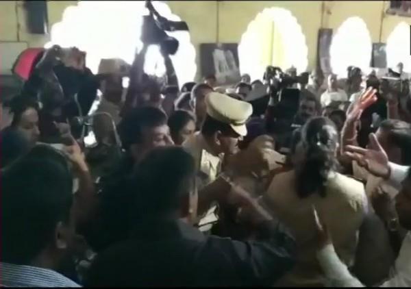 karnataka war on celebrating the birth anniversary of tipu sultan
