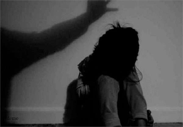 rape with 3 years old girl