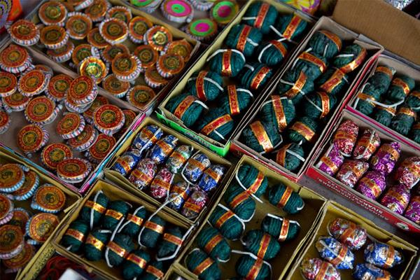 anger at the orders of the administration among the firecrackers