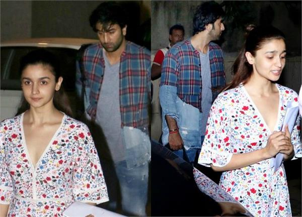alia bhatt and ranbir kapoor spotted at bandra