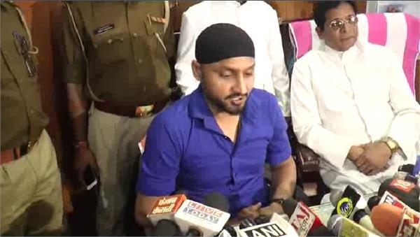 cricketer harbhajan singh kuldeep yujwendra s spin duo s fervent praise