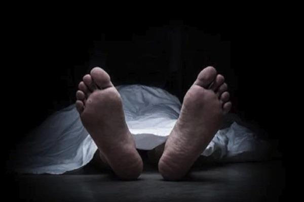 two laborers died due to buried in soil