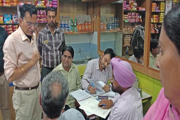 vigilance team  raided  confectionery shop filled paneer  punjab news