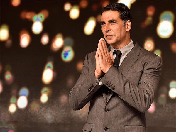 akshay kumar arrives chandigarh