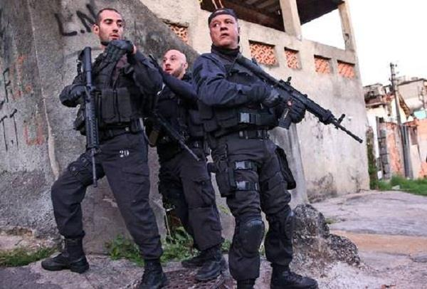 brazil 11 dead in encounter between police and mobsters