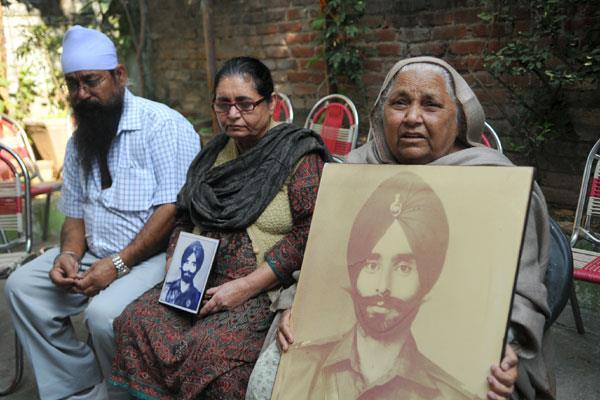 1971 war prisoner asha singh s family appeal centre