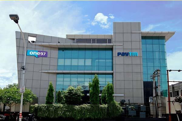 warren buffett changed the fate of owner of paytm