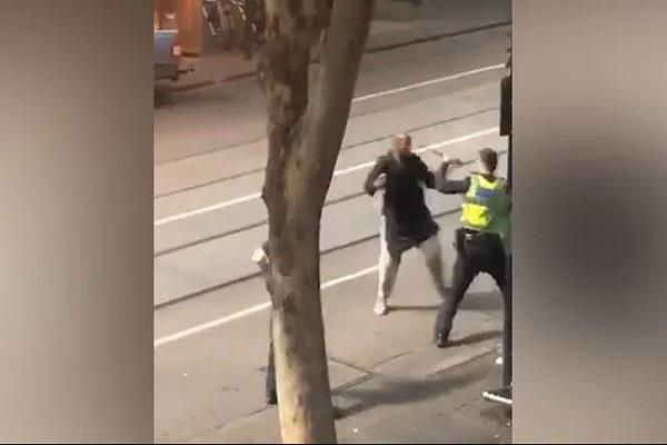 many people were injured by the knife attack in melbourne