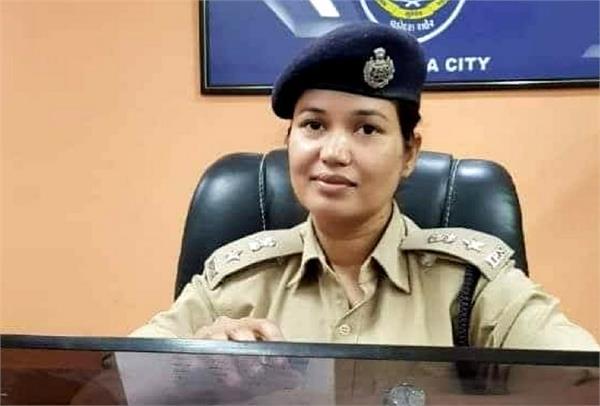 शहर-शहर घूमकर बच्चों को बैड टच की समझ दे रही हैं यह महिला IPS