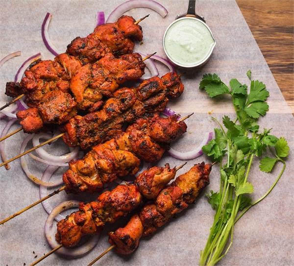 नॉनवेज खाना है पसंद तो घर पर बनाएं राजस्थानी चिकन टिक्का