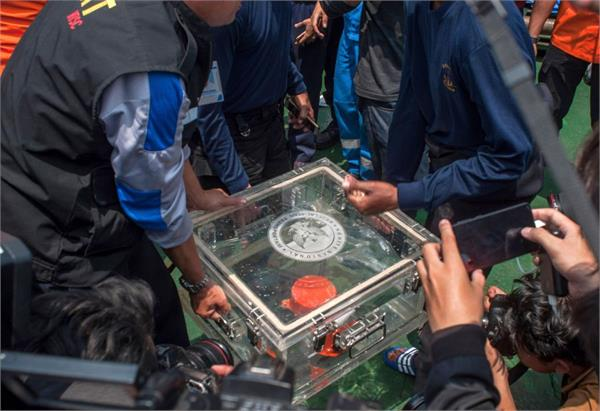 indonesian pilots struggled to regain control of the lion air jet