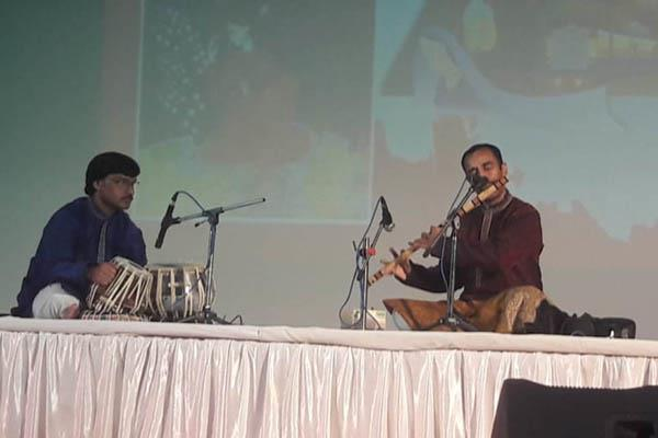 haridutt bhardwaj made the flute play an enchanting audience
