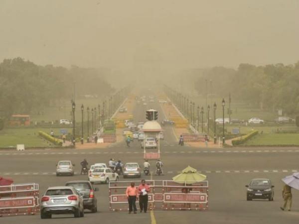 minor improvements in delhi air quality