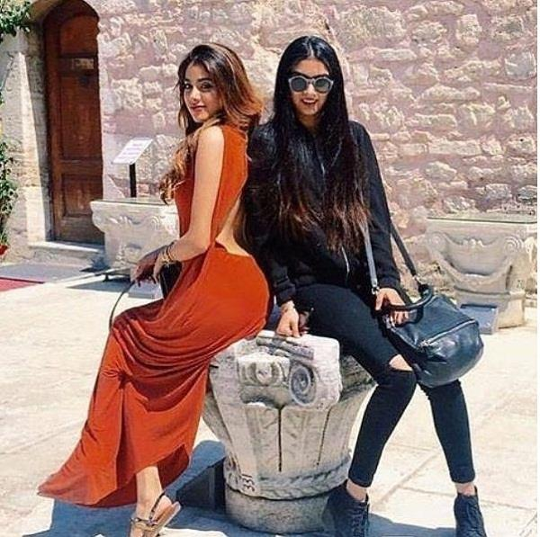 janhvi kapoor stole her younger sister stylish dress for an event