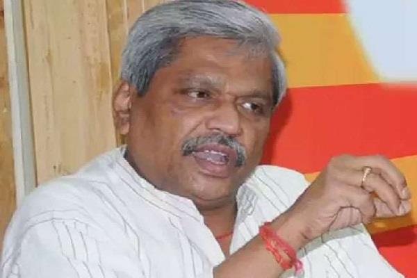 prabhat jha who had gone to remove the resentment stopped the bjp workers