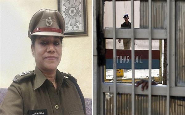 तिहाड़ जेल की पहली महिला सुपरिटेंडेंट, कैदियों को दे रही है शिक्षा!