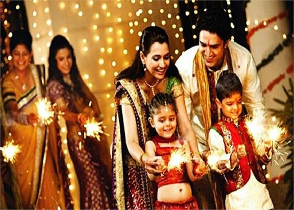 Diwali Special: जानें, कैसे हुई दीपावली पर पटाखे जलाने की शुरूआत?