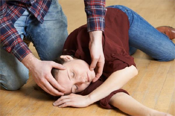 National Epilepsy Day: मिर्गी का दौरा पड़ने पर क्या करें और क्या नहीं?
