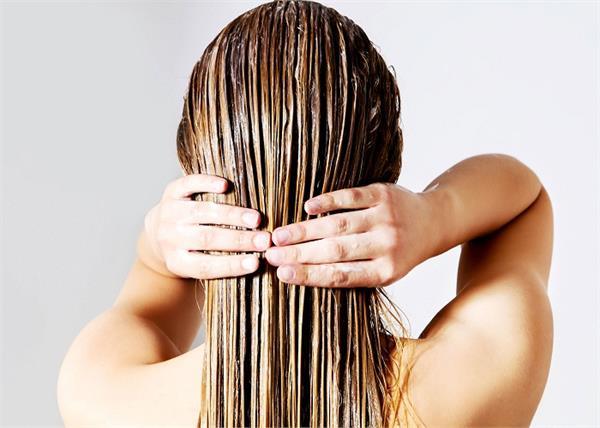 होममेड कंडीशनर से बिना झड़े बाल होंगे सिल्की-शाइनी