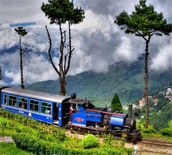 सफर को यादगार बना देंगी भारत की ये 5 टॉय ट्रेन