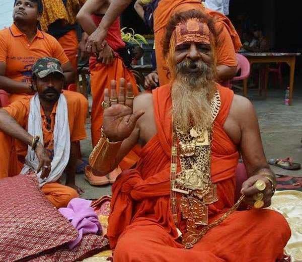 golden baba  reached the prayagraj