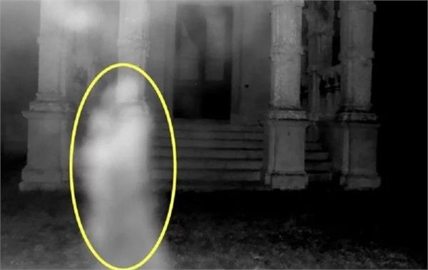 ghost s love making picture goes viral