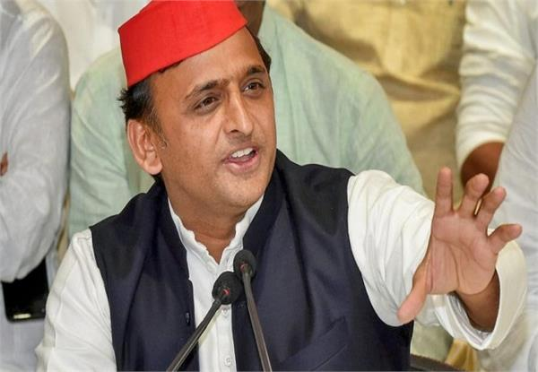 akhilesh speaks on fake news campaign