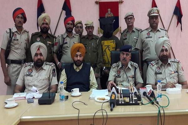 hoshiarpur encounter in police and robbers control over 1