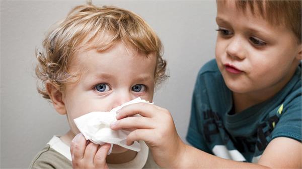 बच्चे को सर्दी-खांसी से तुरंत राहत दिलाएंगे नानी-दादी के घरेलू टिप्स