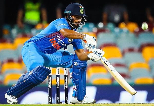 Gautam gambhir is sad about ambati rayudu exclusion from Team india