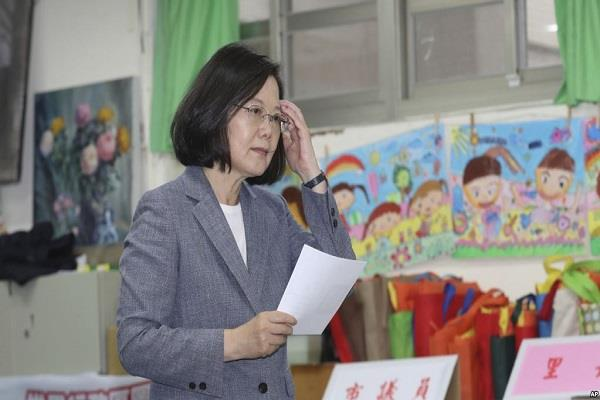 taiwanese president jolts in mid term elections