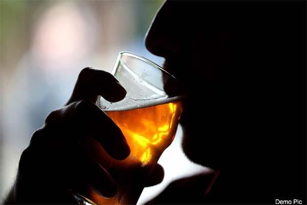 death of 2 by drink poisonous liquor one admit in hospital