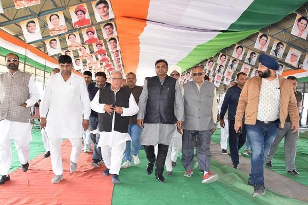 subhash batra inspect rally place