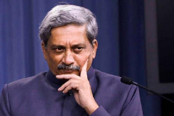 goa chief secretary to order affidavit on parrikar s health