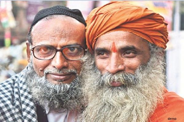 a few examples of  hindu muslim brotherhood  in the country