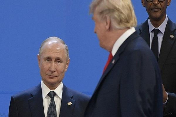 trump interacts informally with putin white house