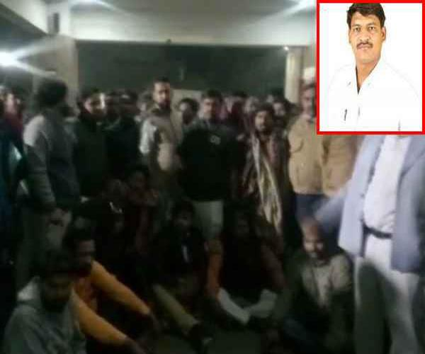 lucknow bjp leader killed with knife police involved in clues