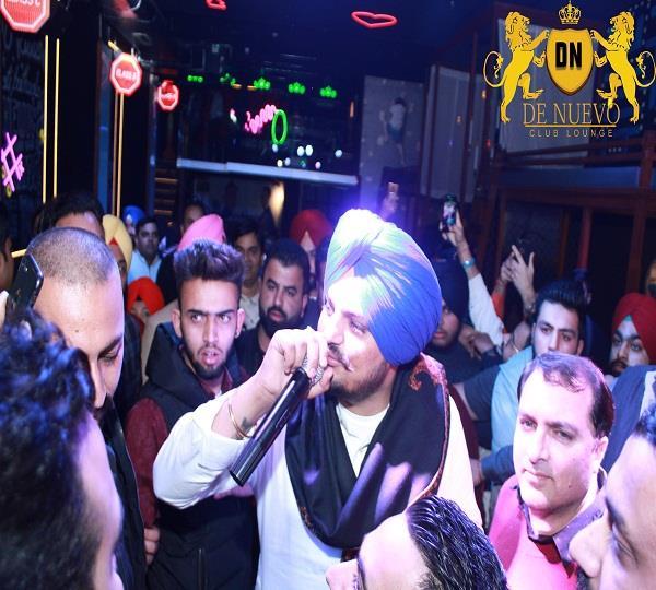 punjabi singer sidhu moose wala in resto bar lounge