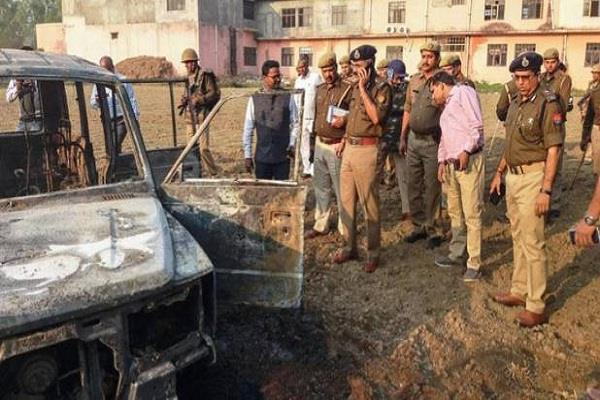 bulandshahr violence office and chowki incharge transfer