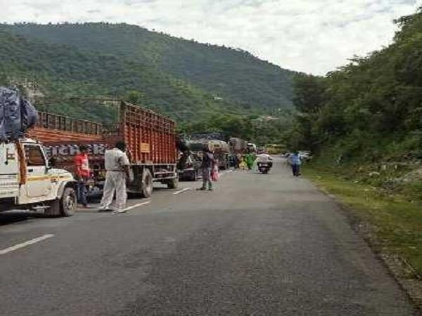 people will get rid of jam on chandigarh manali nh 21
