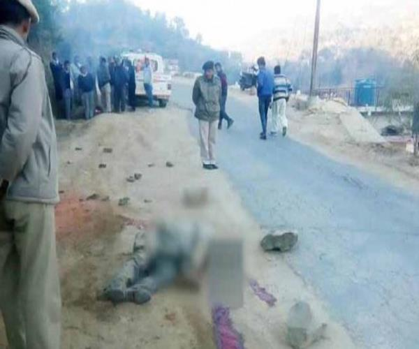 3 friends die in road accident dead bodies lying on the road all night