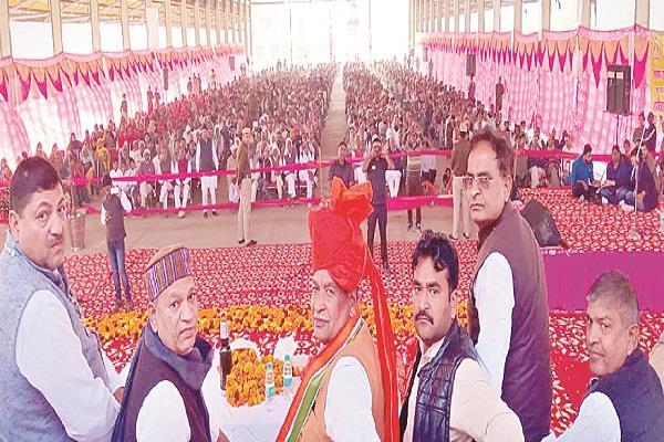 congress riding on farmers  debt waiver rajkumar saini
