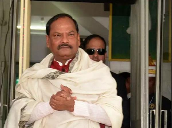jharkhand cm cell network down police detained two bsnl officers