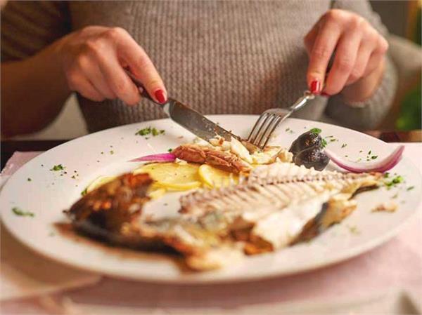 सर्दियों में क्यो खानी चाहिए Fish? जानें इसके 10 फायदे
