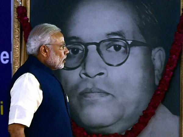 mahaparinirvana day president and pm modi honored baba saheb ambedkar