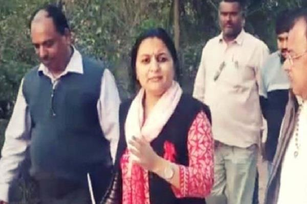 chitra maitil made a collector of sagar district