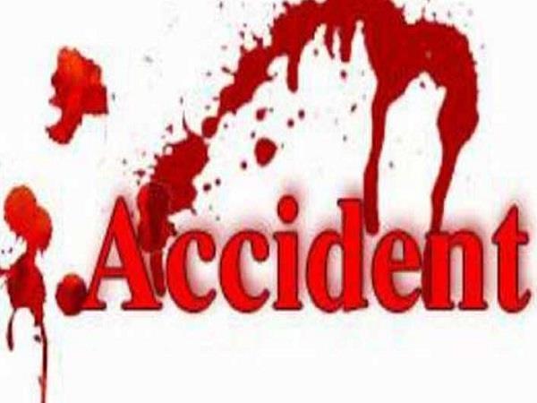 car and bike collision injured 3